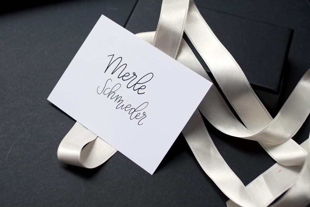 Namenskarten-Hochzeit-Monoline-Nachname-sw-einzeln-1000px