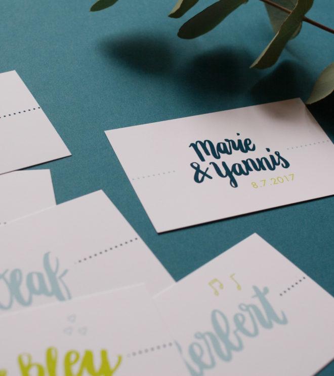 Schöne Namenskarten mit Hochzeitslogo