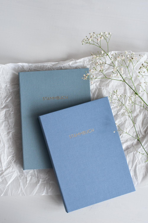 Moderne Stammbücher in taubengrau und taubenblau