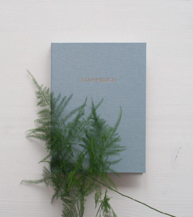 Schönes Stammbuch mit Leineneinband in Taubengrau