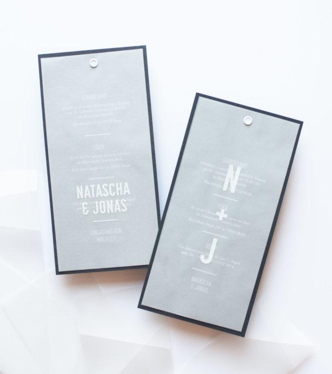 Minimalistische Einladungskarte mit Initialien oder ganzen Vornamen