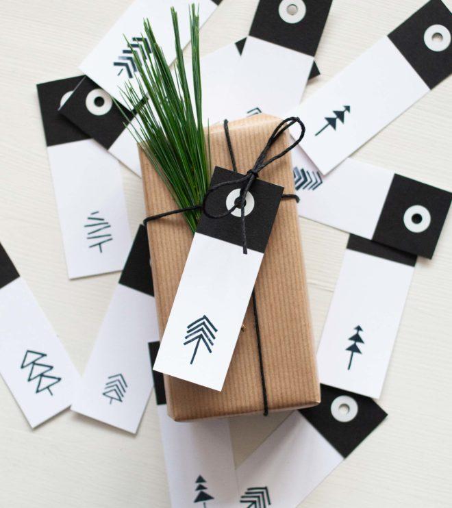 Minimalistische und moderne Geschenkanhänger für Weihnachten