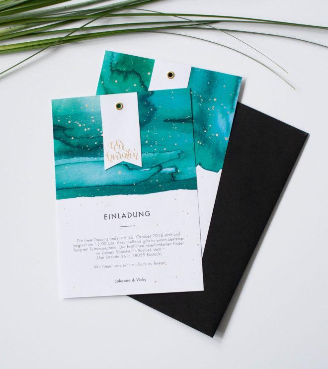 Einladungskarte mit Aquarell und Goldakzenten