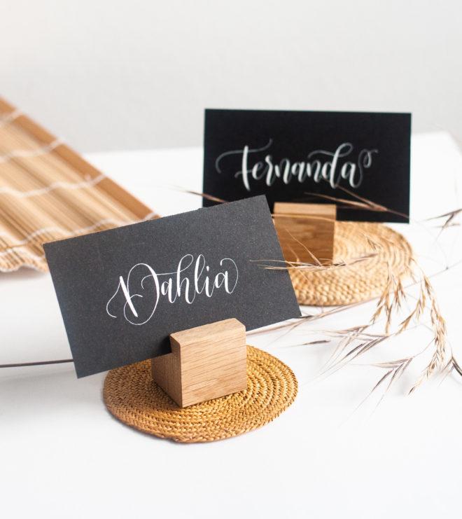 platzkartenhalter mit Kalligrafie Namenskärtchen