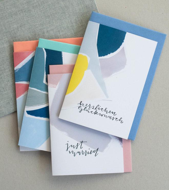 Umweltfreundliche Glückwunschkarten in modernen Farben