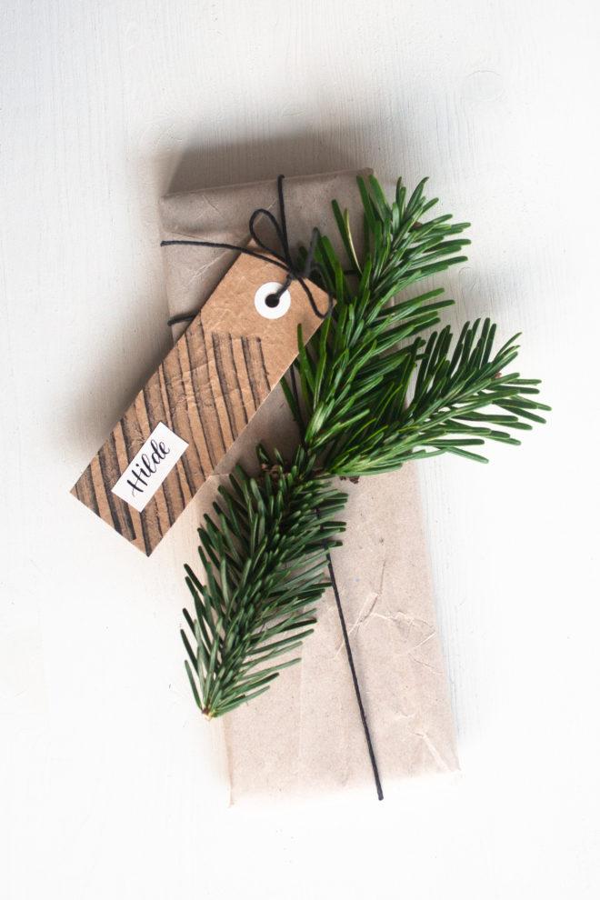 Upcycling: Geschenkanhänger selbst machen