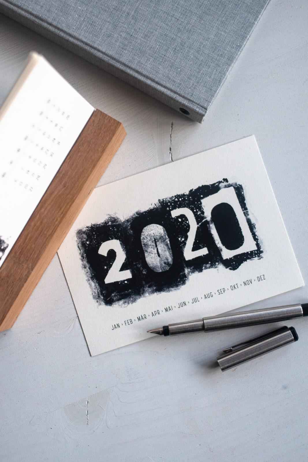 Moderner Tischkalender zum kostenlosen Selbstausdruck für 2020 mit Gelatinedruck gestaltet